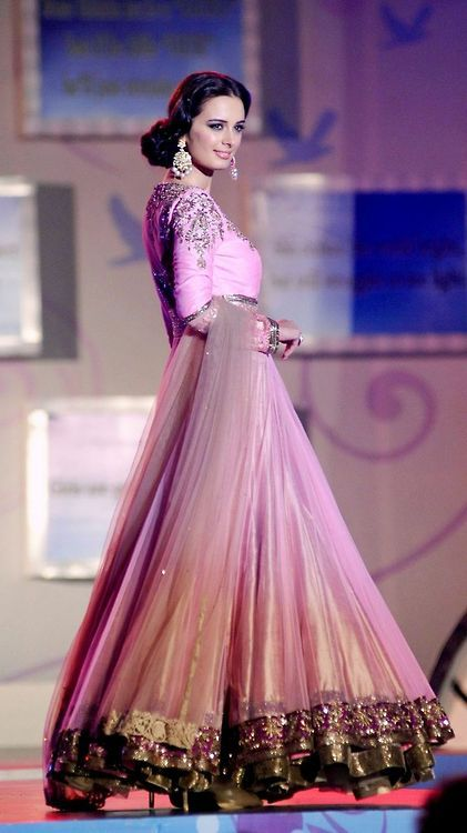Manish Malhotra Anarkali at Lilavati Show