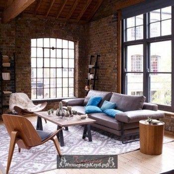 Кирпичная стена в интерьере гостиной, гостиная с кирпичными стенами, кирпичные стены фото в интерьер