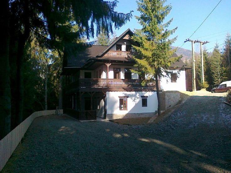 adelaparvu.com despre casa traditionala romaneasca Colibita, proprietar Doru Munteanu,  caliman.ro centru sport (3)