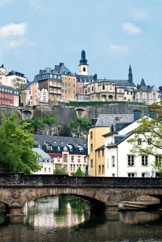 Volg dit bord om nieuwe blog updates te ontvangen! Nieuwste blog: Luxemburg stad! http://www.citiesnstories.com/2014/05/luxemburg-stad.html