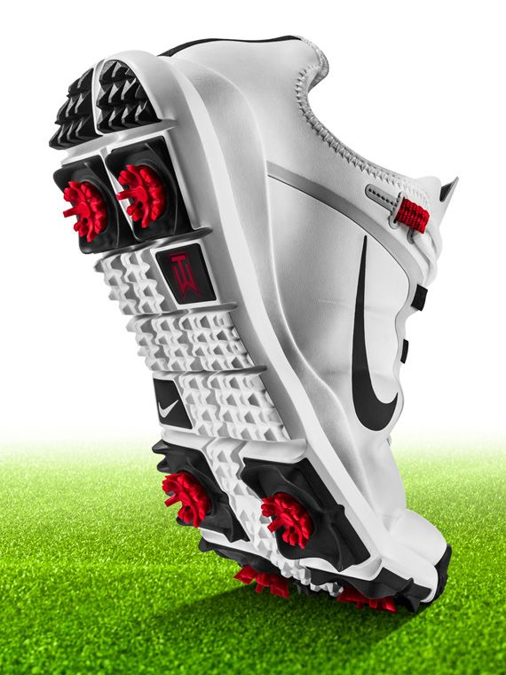 Nike TW 13   Tiger Woods New Golf Shoes. I've gotta get me a pair of these