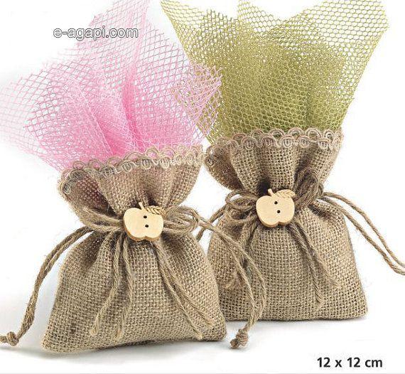 Favores de arpillera rústica bautismo favorece la bolsa Apple favores rústico favores de la boda griega favores idea bebé niña invitados regalos de boda