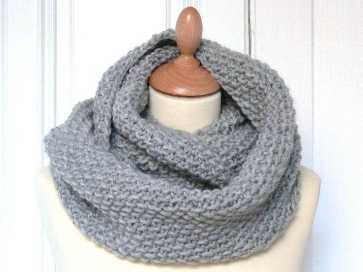 maxi snood: 30 cm x 140 cm 300 m de laine épaisse (3 pelotes)+aiguilles n°10 Monter 121 mailles & tricoter 54 rangs