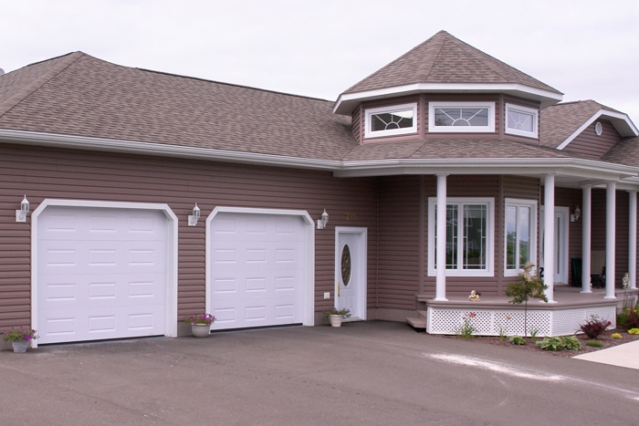 How much do vinyl garage doors cost 2017 2018 best for Single garage cost