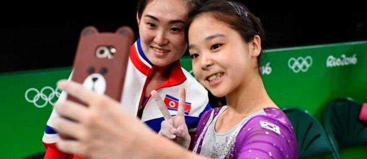 Quand une gymnaste sud-coréenne croise son aînée nord-coréenne, elles font un selfie. Et il fait le tour du monde ! La jeune Lee Eun n'en est pas revenue.