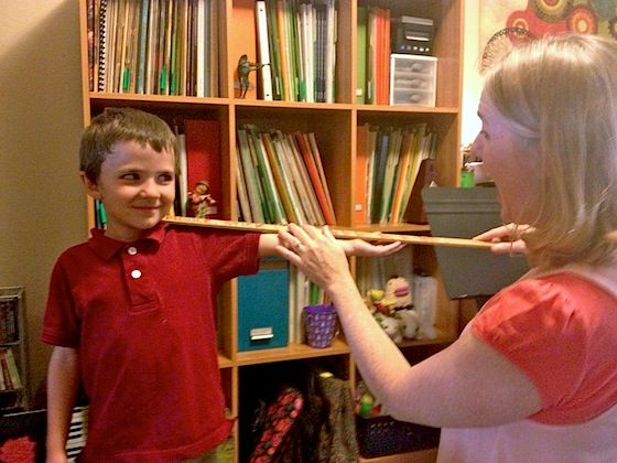 """What Size Violin? """"Fiddle Stick"""" yardstick with each arm length noted for each violin size."""