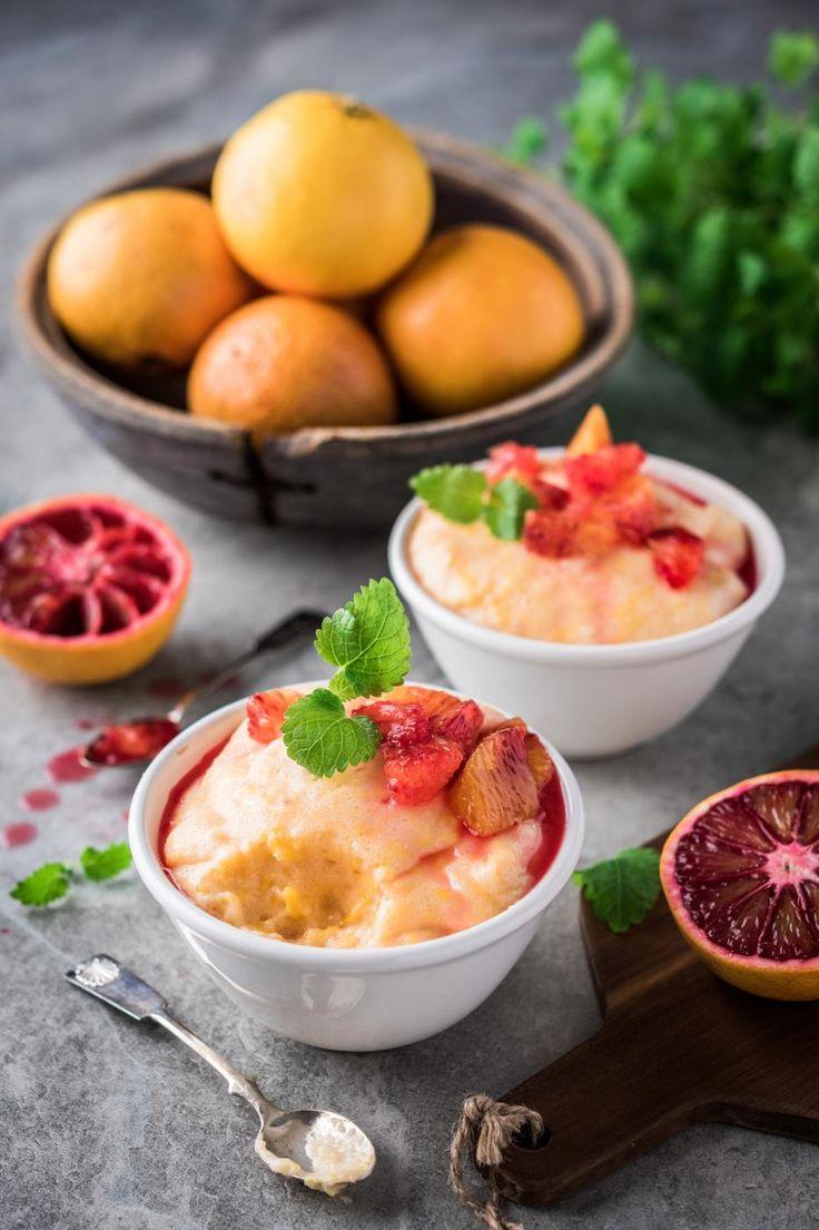 Veriappelsiineistä saa valmistettua raikkaan ja kuohkean vispipuuron. Veriappelsiini on luontaisesti melko makea, joten sokeria tarvitaan vain hieman. Tämän reseptin voi valmistaa myös normaaleista appelsiineista.