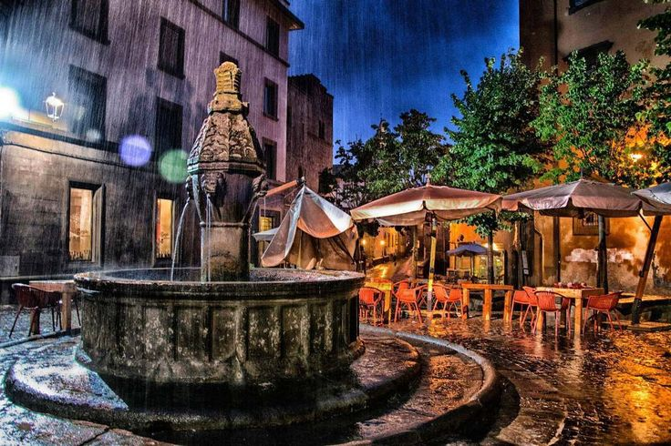 Carlo Marino - Pioggia forte a Viterbo