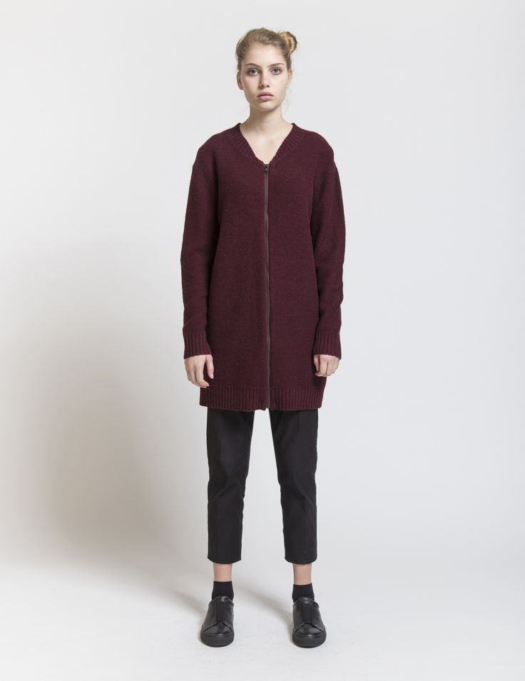 Selhood - womensfashion outfit. Lambswool/nylon knit with zipper. This knit cardigan is made of a soft lambswool blend.