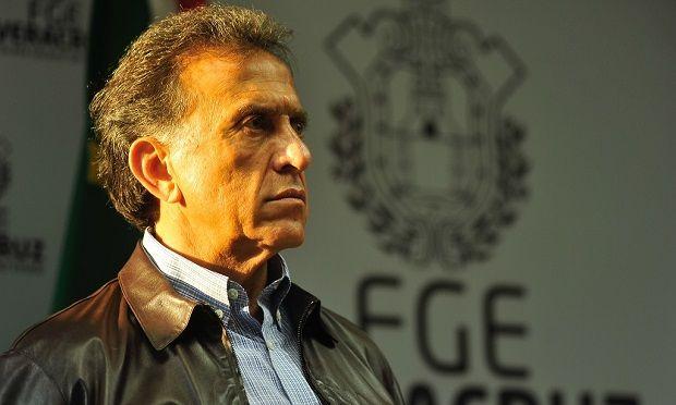 Yunes Linares elimina descuento de transporte público a estudiantes y adultos mayores - http://www.esnoticiaveracruz.com/yunes-linares-elimina-descuento-de-transporte-publico-a-estudiantes-y-adultos-mayores/