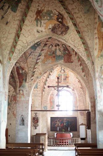 Church of the Holy Cross in Hattula, inside