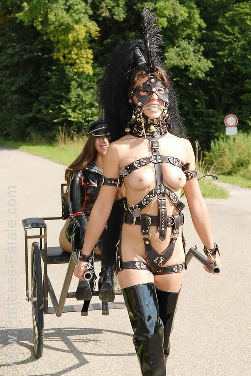 Outdoor slave training boots servitude amp whipping 4
