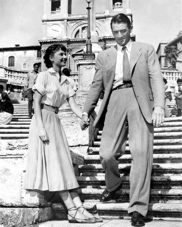 ROME : Roman Holiday (1953).  Spanish Steps, climbing a steep slope between the Piazza di Spagna and Piazza Trinità dei Monti, dominated by the Trinità dei Monti church at the top.