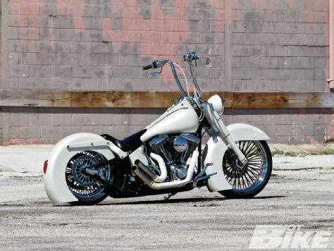 2005 Harley Davidson Softail Deluxe - Hot Bike Magazine