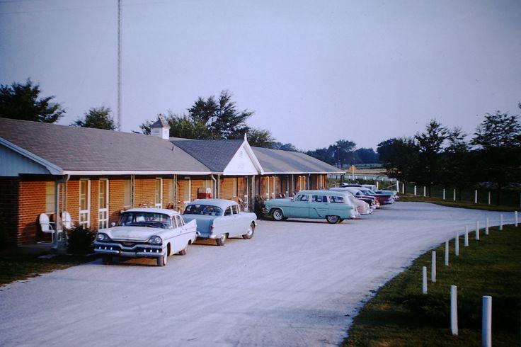 https://flic.kr/p/YbTff6   Found Photo - Kel-Lake Motel   Route 66, Carthage, Missouri (Still there)