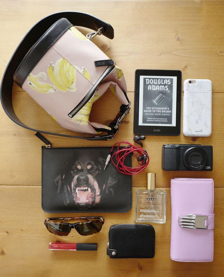 What's in your bag? TECHなあの人のバッグの中身〜CREATOR編 | DiFa | Digital×Fashion WebMagazine