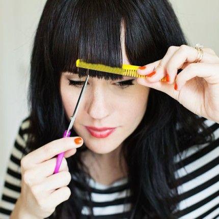 Frangia fai-da-te: ecco come farla in soli 3 passaggi!how to cut bangs! come tagliarsi la frangetta da sole! #makeup #hair #hairlook #haicolor #hairstyle #mua #look #beautylook