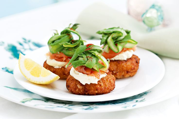 Quinoa cakes with smoked salmon, shaved asparagus and creme fraiche http://www.taste.com.au/recipes/31961/quinoa+cakes+with+smoked+salmon+shaved+asparagus+and+creme+fraiche