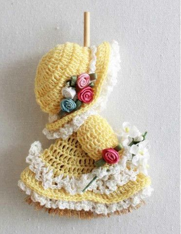 Picture of Mini Broom Dolls 1 Crochet Pattern Leaflet