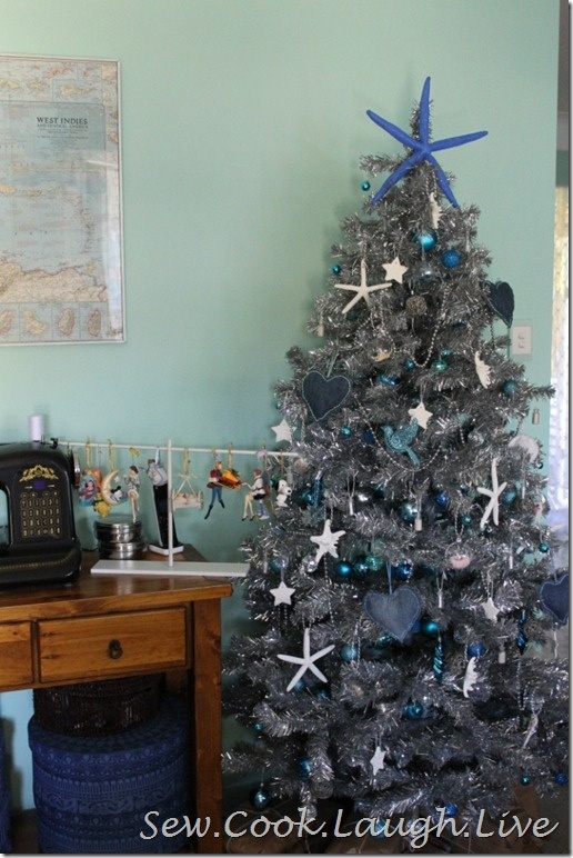 Beach style Christmas tree. Includes links to beach ornament tutorials  http://sewcooklaughlive.blogspot.com.au/2012/12/beach-style-christmas-part-5-tree.html