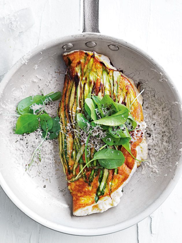 Asparagus And Ricotta Souffle Omelette | Donna Hay