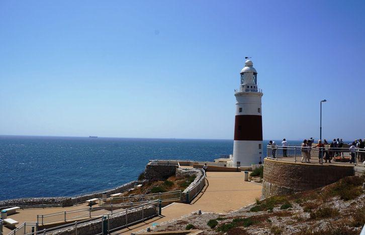 Farol e marco da coluna de Hércules - Gibraltar - Viagem com Sabor