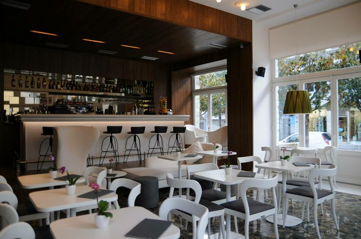 Hotel Metropolis στο κεντρο των Ιωαννινων #mirrors #bronze #coffee