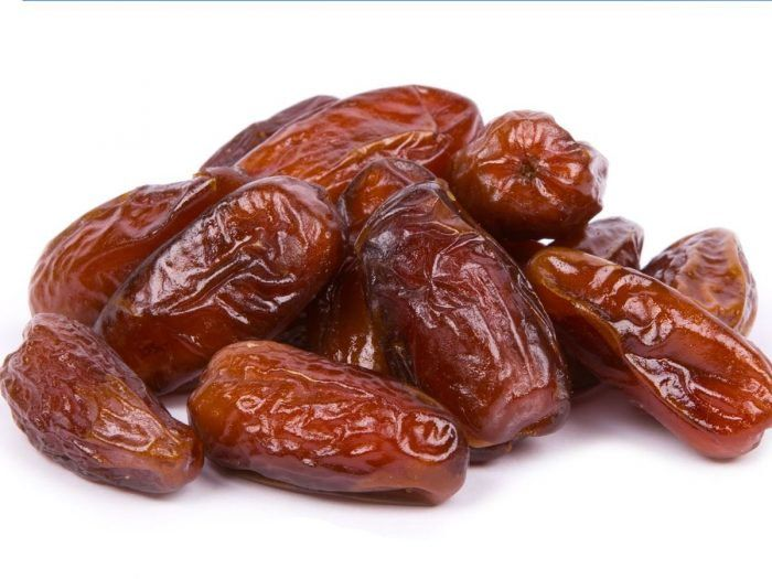 Health benefits of dates are uncountable, as this fruit is affluent in natural fibres. Dates are even rich in several vitamins and minerals. These natural products contain oil, calcium, sulphur, iron, potassium, phosphorous, manganese, copper and magnesium which are advantageous for health. It is said that consumption of one date daily is necessary for a balanced and healthy diet. Dates help in fighting constipation, intestinal disorders, weight gain, heart problems, sexual weakness…