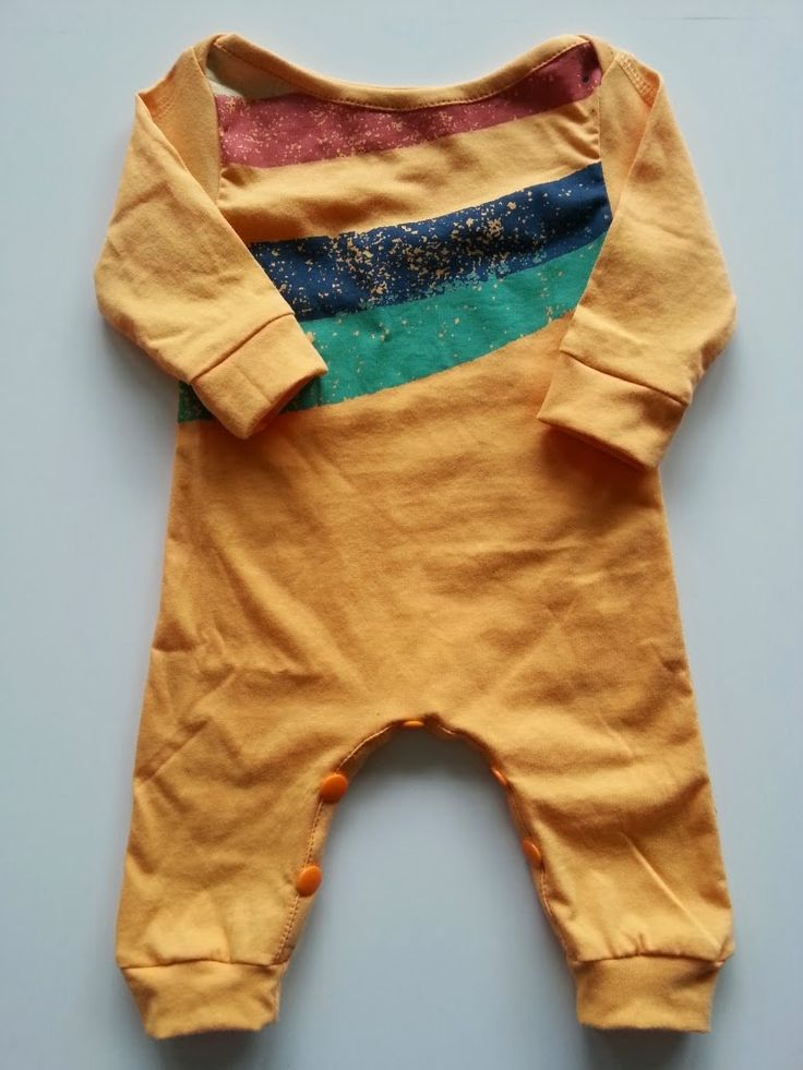 Strampler aus T-Shirt / Romper suit made from old shirt / Upcycling