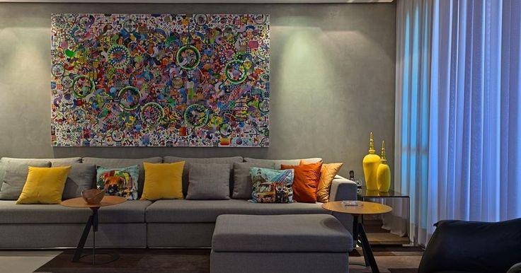 Sala de estar cinza com almofadas e quadro colorido for Sala de estar quadro