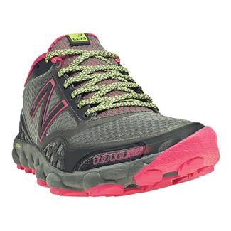 Women's New Balance 1010 - My favorite minimalist trail running shoes (only 5.9oz)!