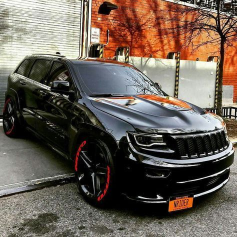 This is one awesome Jeep Cherokee SRT8 Vapor edition!!!