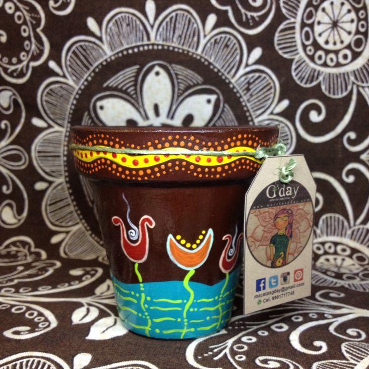 Macetas de barros pintadas a mano con diseños unicos y exclusivos.   Www.macetasgday.com