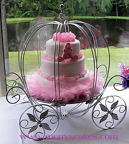 carriage cake, cake stands, www.merryscakes.com