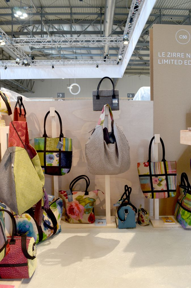 lezirre-bags-stand-homi-milano