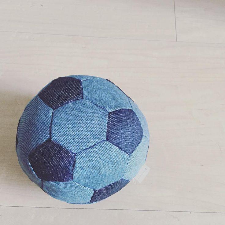 室内サッカーボールの作り方と参考作品集♡古着リメイクにも♪ | Handful