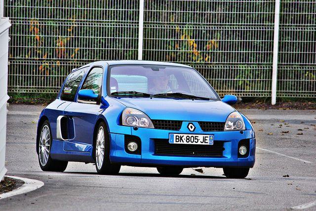 Renault Clio V6 by Fabrice Staszak