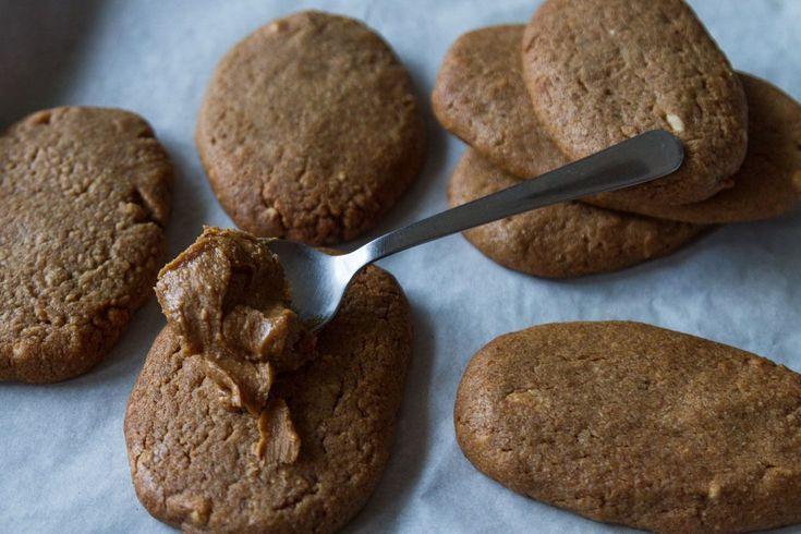 Μπισκότα κανέλας και φυστικοβούτυρου