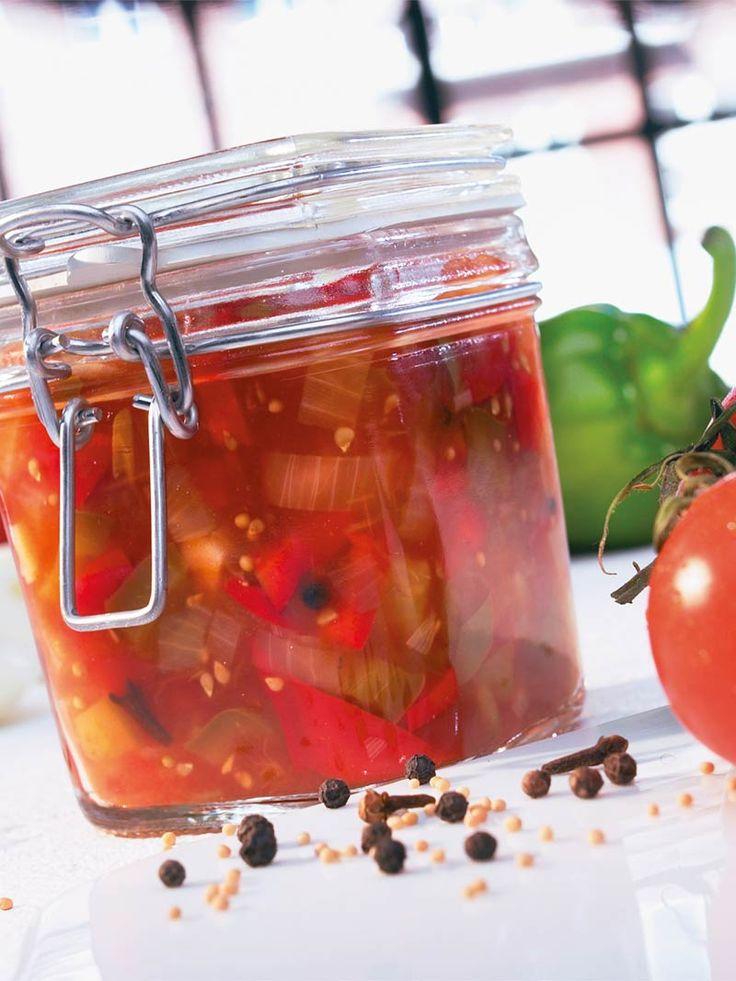 Fruchtiges Chutney aus Tomaten und Paprika! #Tomate #Paprika #Chutney #Soße…