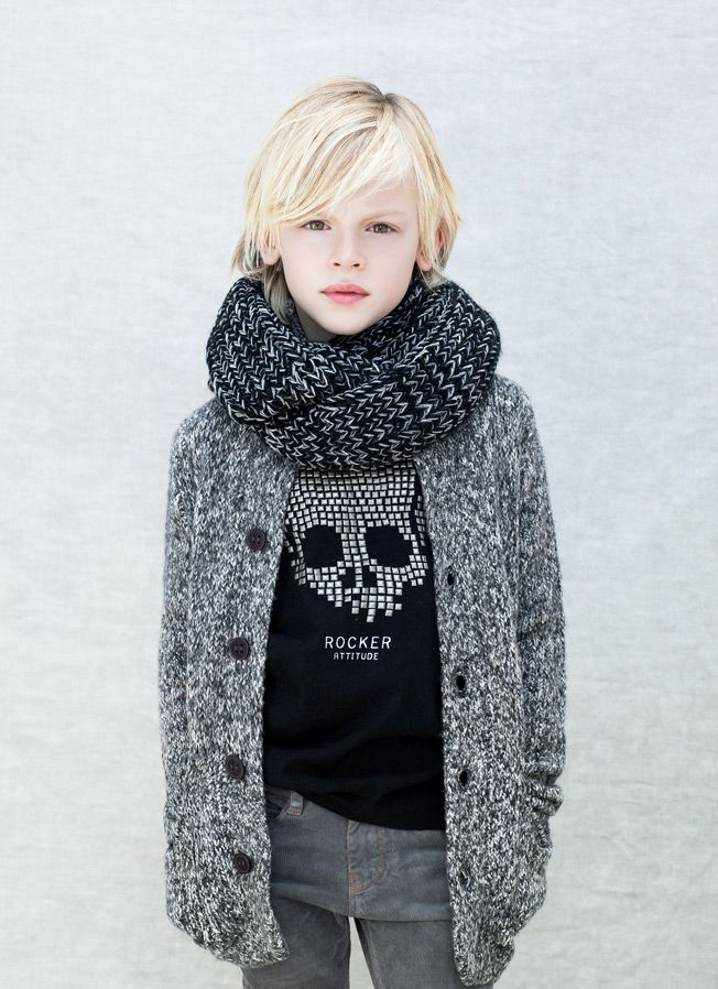 Kids - Boy - Lookbook - ZARA Nederland - Infinity scarf - Button cardigan sweater - Skull shirt