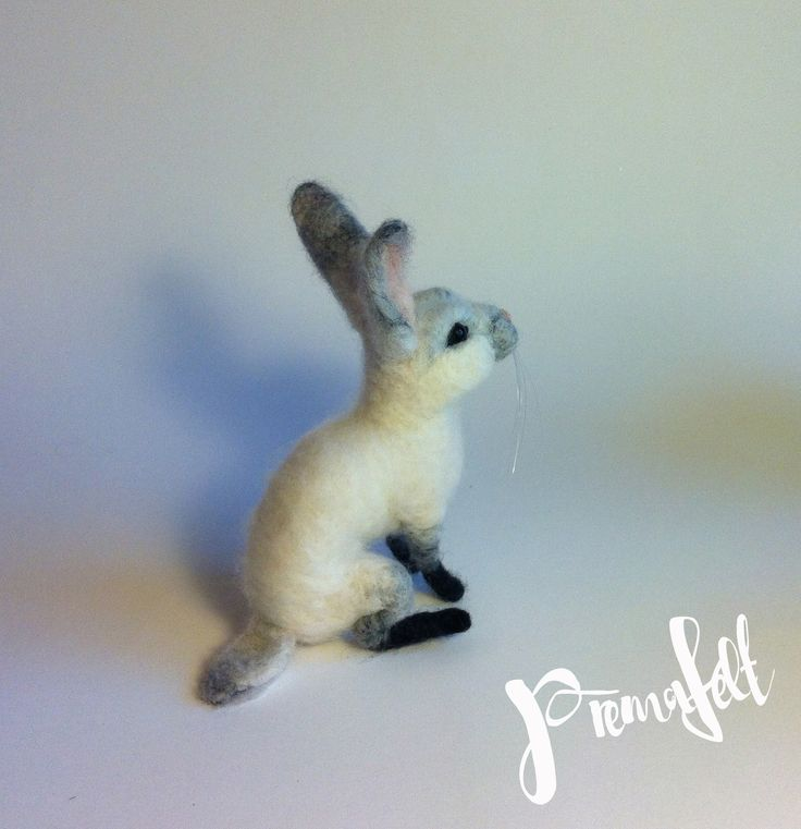 Needle felted  white bunny #needlefeltedanimals, #needlefelted, #feltedanimals, #needlefelting, #miniatureanimalfigurines #toytoys #handmade #natural #fiberart #cute #realisticanimal #homedecor #birthdaygift #giftideas #merinowool #animalsculpture #miniaturegift #naturalwool #handmadeanimal #happyanimals #naturalwooltoys #christmas #ecofrendly #waldorf #ecotoys #feltcrafts #childrenkids #giftforanimallovers  #giftforcraftlovers  #funny