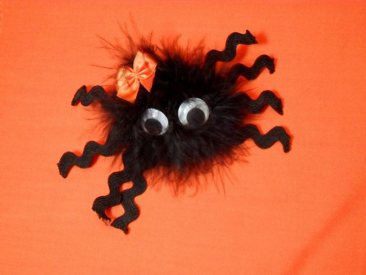 Boutique HALLOWEEN HAIR BOW Clip  Furry Spider Eek