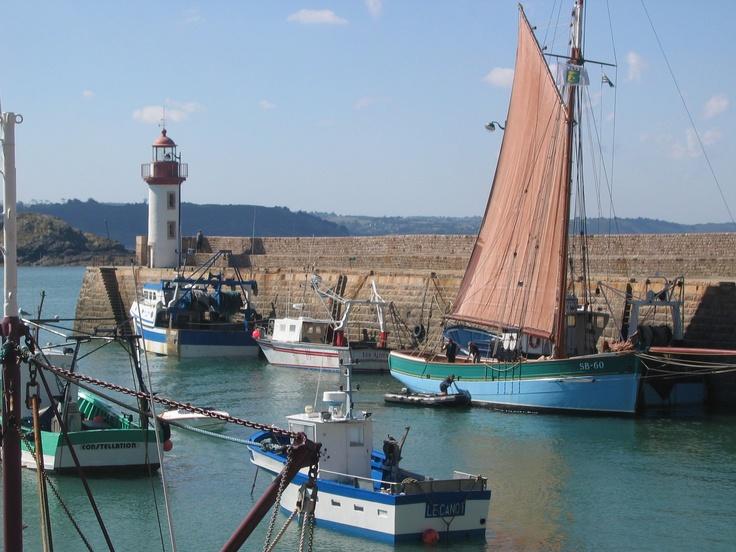 Passage par le port d 39 erquy bateaux de travail ancien et - Office du tourisme les contamines montjoie 74 ...