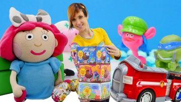 Игры для детей Капуки Кануки: Шоколадные шары ЧУПА ЧУПС  http://video-kid.com/20710-igry-dlja-detei-kapuki-kanuki-shokoladnye-shary-chupa-chups.html  Игры для детей с Машей #КапукиКануки - сегодня у нас новое видео про #игрушки и про сюрпризы из шоколадных шаров #ЧупаЧупс. Если любишь киндер сюрпризы, смотри как #МашаКапуки играет и распаковывает шары Чупа Чупс  вместе с куклой Машей, Смартой и другими игрушками.Шаракул - игра для детей, отгадываем Что же внутри шоколадных сюрпризов шаров…
