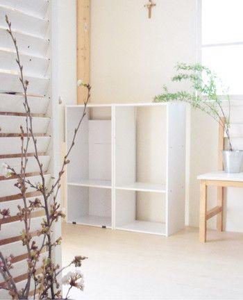 塗装の手間が省けるのでシンプルなカラーは使いやすいですね。これなら家にある!という方も多いのではないでしょうか。 ナチュラルテイストが好きな方には木製のカラーボックスもおすすめです。