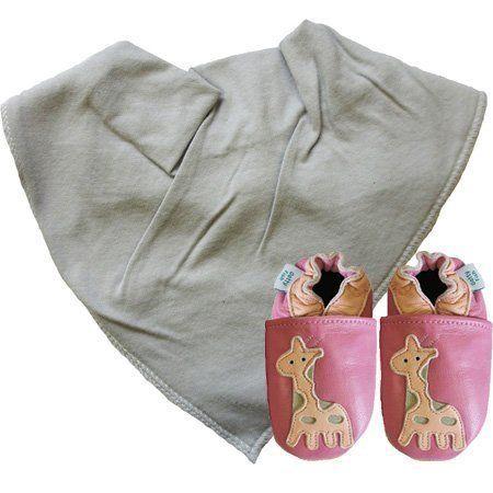 Scarpe Bambino in Pelle Morbida motivo Dotty Fish. Design Giraffa Rosa con bavaglino a bandana Grigio. Set Regalo. (0-6 mesi) di Dotty Fish, http://www.amazon.it/dp/B00CS41GOU/ref=cm_sw_r_pi_dp_Yaydsb0QZQ4RC