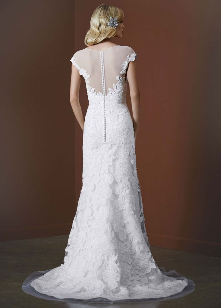 Lovely Buy u sell new sample and used wedding dresses bridal party gowns Your dream wedding dress is here at a truly amazing price