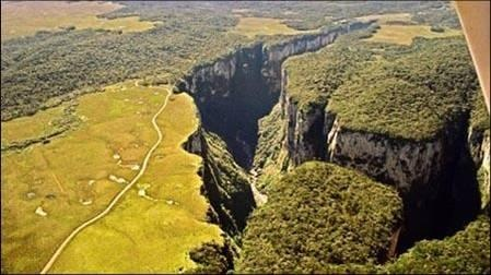 Brazil, Itaimbezinho Canyon. Cretaceous Basalt Flows deeply eroded by a small river. These lava flows are assoc w/the rifting & breakup of the Gondwana supercontinent. Cânion do Itaimbezinho, Cambará do Sul, Rio Grande do Sul state