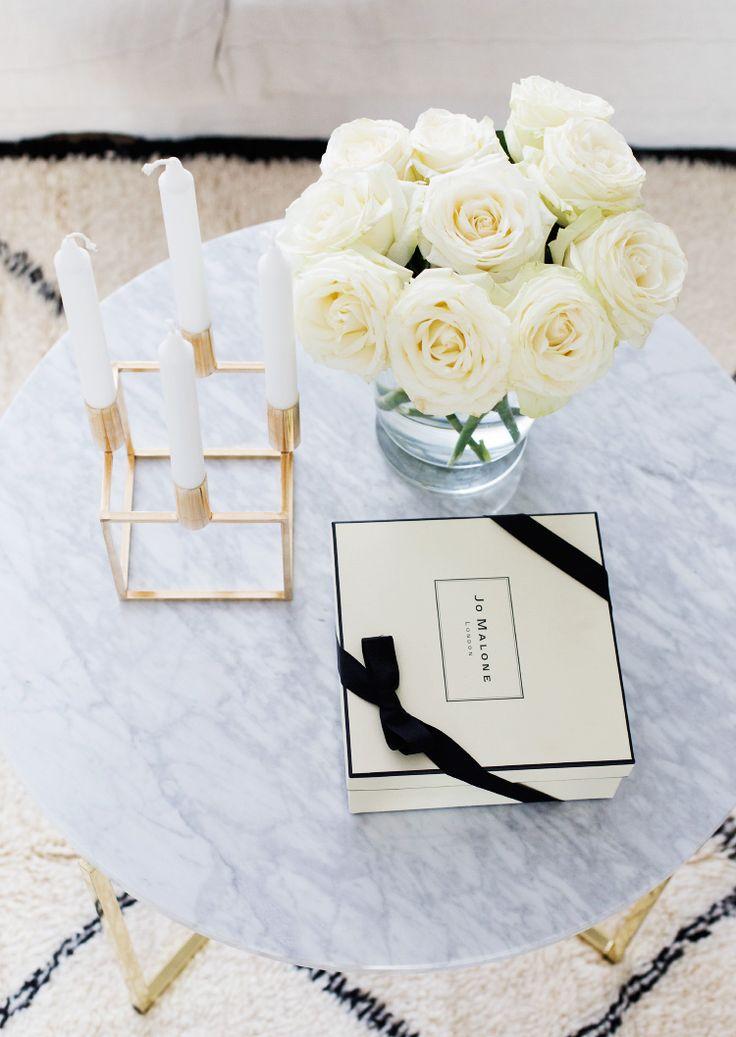 die besten 25 marmor tisch ideen auf pinterest wei e. Black Bedroom Furniture Sets. Home Design Ideas