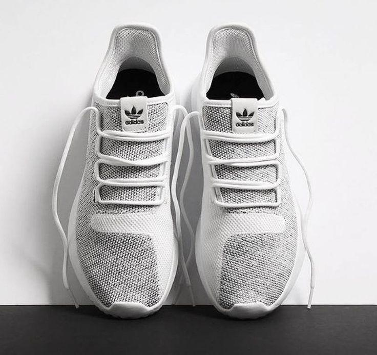 Für Sie und Ihn: Der adidas Tubular Shadow 3D Knit. Jetzt entdecken und shoppen: https://sturbock.me/7sH